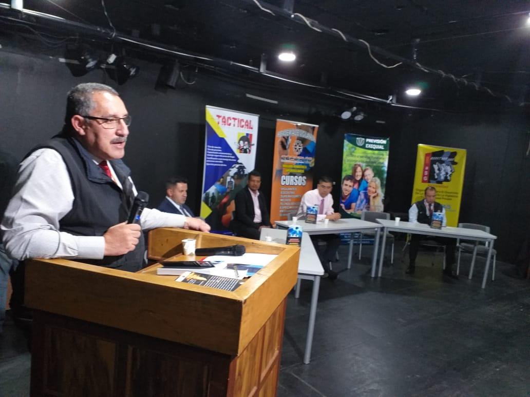 JUNTA DIRECTIVA DE CEFORVIG EN EL LANZAMIENTO DEL LIBRO SEGURIDAD EMPRESARIAL MI PROPIA SEGURIDAD