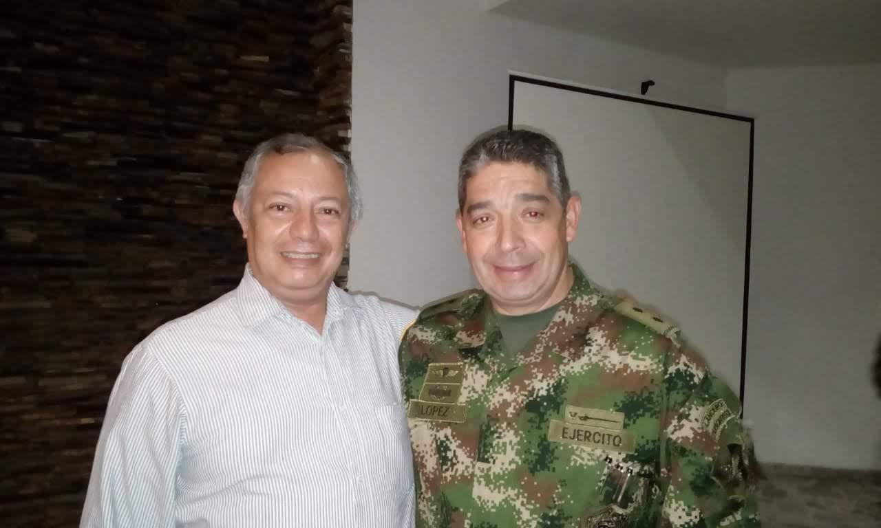 Brigadier General Hugo Lopez Barreto con nuestro administrador de la agencia de Cali TE(R) Ricardo Rengifo Obando
